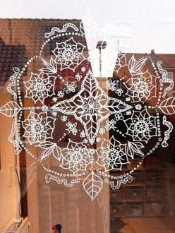 vitrine peinte posca