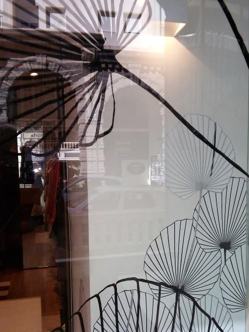 détails peintures sur vitre